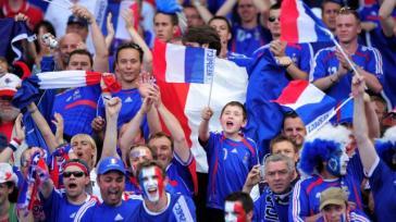 euro-2016-les-bleus-enflamment-deja-la-foule